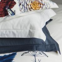 media/image/turiform_turistripa_white_dark_blue_pillowcase.png