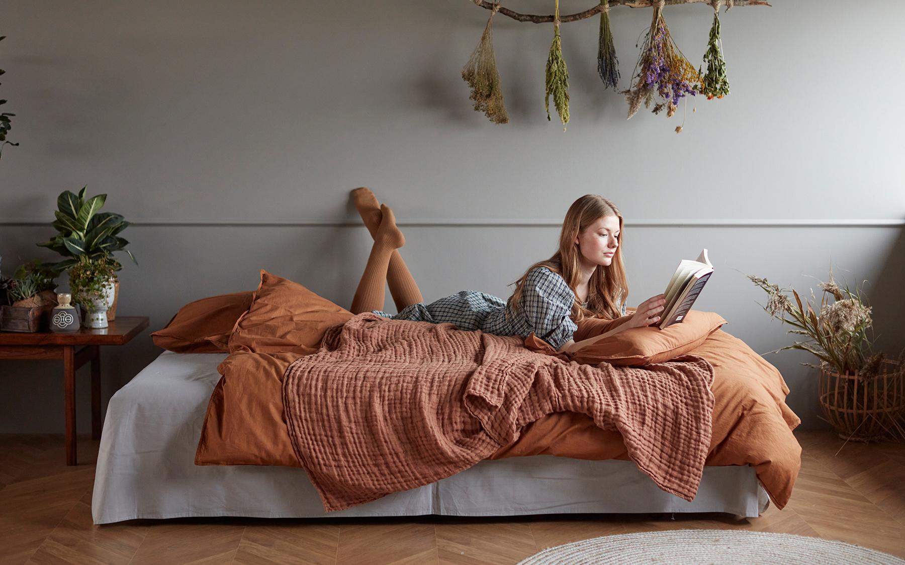 media/image/Revivus-Sofa-Bed-571-e4-web.jpg