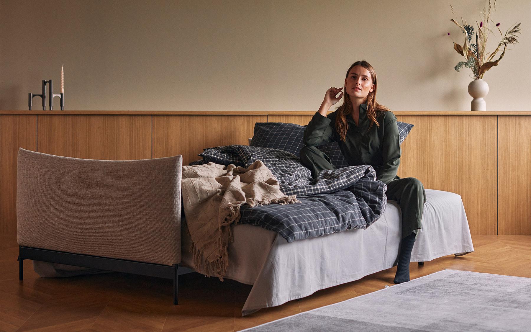 media/image/Malloy-Sofa-Bed-579-e7-web.jpg